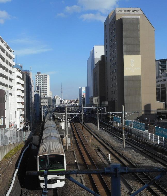 ホテルベルクラシック東京と山手線電車(2017/2)