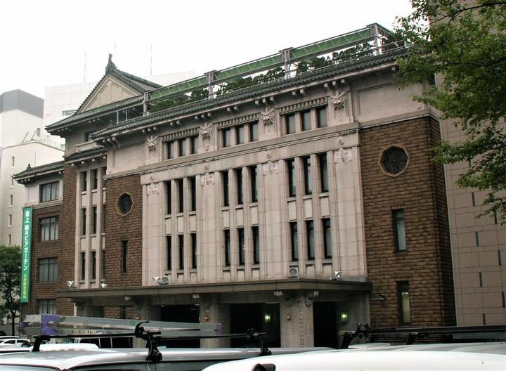 旧・九段会館(2005/6/29撮影)